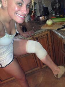 hurt knee
